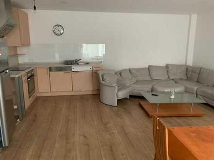 Schöne, helle 4-Zimmer Wohnung in der Nähe der Universität zu vermieten