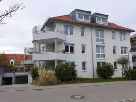 Geräumige und sehr helle Wohnung mit großem Balkon