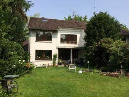 Gepflegte 4-Zimmer-Maisonette-Wohnung mit Balkon in Dortmund