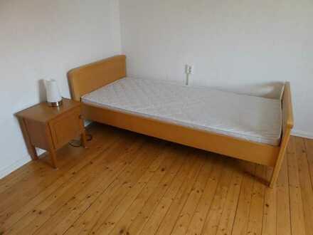 frisch renoviertes Zimmer für Studenten oder Praktikanten in Leopoldshafen nahe KIT-Nord