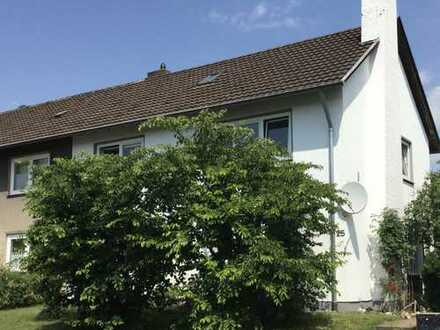 Doppelhaushälfte mit großem Garten in guter Wohnlage