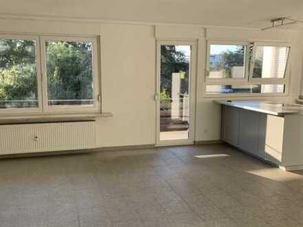 Tolle 4-Zi-Wohnung mit Balkon | WG-geeignet