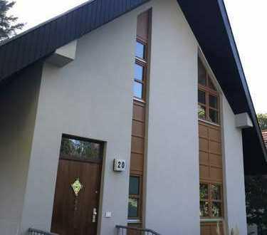Frisch saniertes schönes Einfamilienhaus im Grünen in Berlin-Lankwitz (Steglitz)