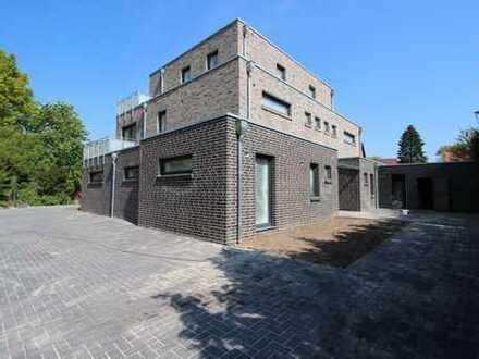 Exklusiver Neubau - 2 Doppelhaushälften mit je zwei Wohnungen - Wfl. ca. 101 qm