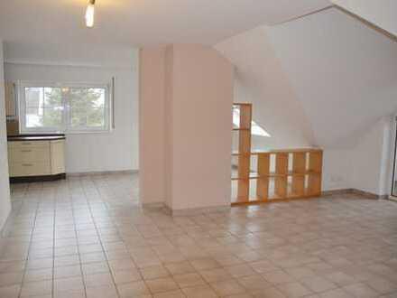 3- Zimmer Dachgeschoßwohnung incl. Einbauküche