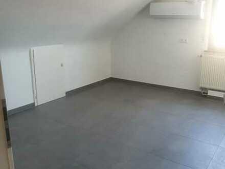 2Zimmer DG-Wohnung +Klima in Elchesheim-Illingen.