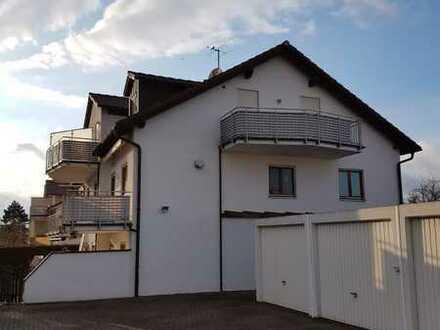 Frisch renoviert: 3-Zimmerwohnung mit großem Balkon