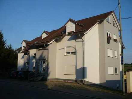 Modern, helle 3-4-Zimmer-DG-Wohnung mit gehobener Innenausstattung in Illingen Uchtelfangen