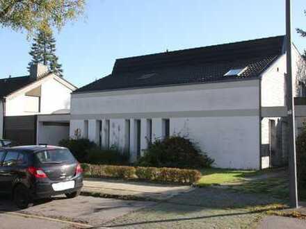 Freistehendes Einfamilienhaus mit Einliegerwohnung im Aachener Südviertel