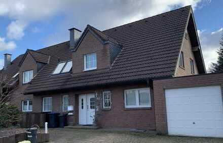 Schöne drei Zimmer Wohnung in Top Lage von Langenfeld-Richrath