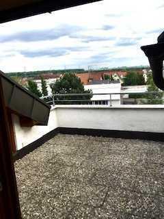 3,5-Zimmer-DG-Wohnung mit Loggia und TG-Stellplatz in Pleidelsheim