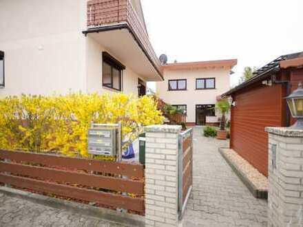 DHH, helle 4 Zimmer auf 2 Etagen, Terrasse, Vorgarten