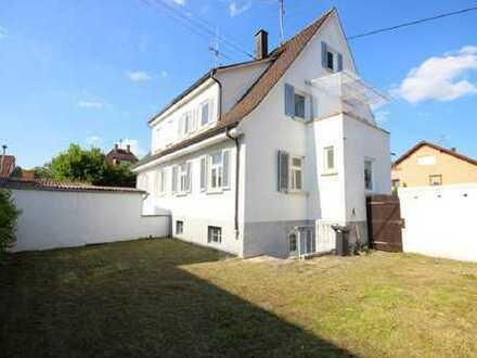 Helle Doppelhaushälfte mit Garten in Rottenburg