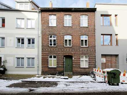 Voll vermietetes Altstadthaus - saniert - in Stralsund, zwischen Neuem Markt & Hafeninsel