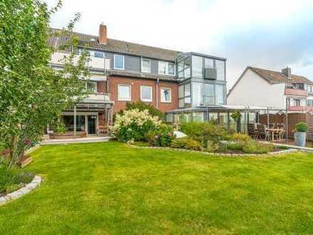 Einmalige Gelegenheit: Hochparterrewohnung mit 7 Zimmern, 2 Terrassen, Whirlpool und großem Garten!