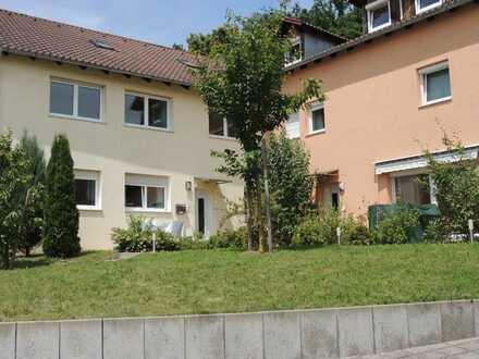Großzügige 2-Zimmerwohnung in ruhiger Lage (DE-DEG19-103)