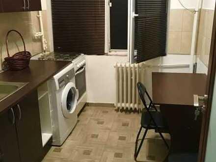 Sanierte Wohnung mit zwei Zimmern sowie Balkon und Einbauküche in Endingen am Kaiserstuhl