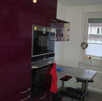 Sehr schöne komplett neu renovierte 3-Zimmer-Wohnung in gepflegter Wohnanlage