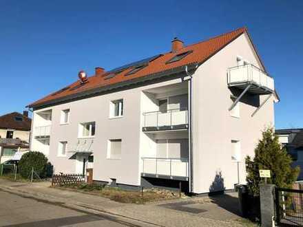 Gut aufgeteilte 3 Zi.-Wohnung im 1. OG, umfänglich renoviert, ruhige Lage