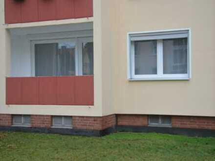 VERKAUFT: Sanierte 3-Zimmer-Hochparterre-Wohnung mit Balkon und EBK in Bad Schwartau