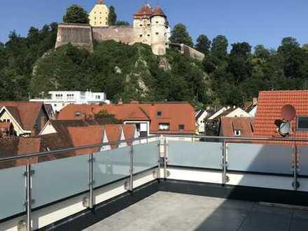 Helle Penthouse-Wohnung mit exklusiven Blick auf Schloß Hellenstein