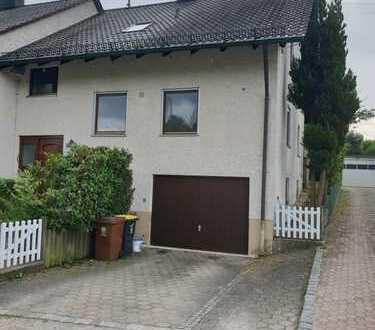 Schmuckstück: Doppelhaushälfte in Eurasburg mit Garten und Garage