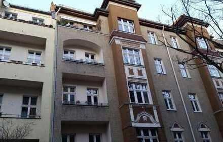 PROVISIONSFREIE 3-Zimmer-Altbauwohnung in Friedenau