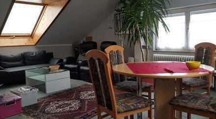 Stilvolle, gepflegte Helle 2-Zimmer-Wohnung**PANORAMAFENSTER** mit Einbauküche in Böblingen-Zentrum