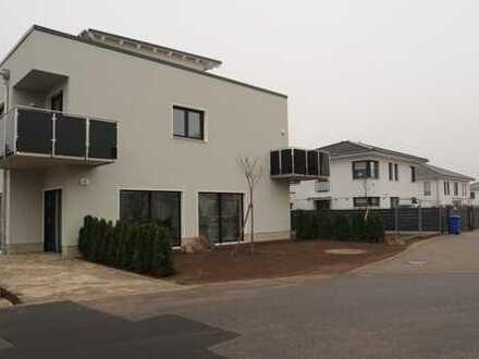 Eine sonnige Dachterrasse + schöne 3- Zimmer-Wohnung + in KW