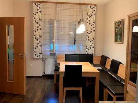 1 Zimmer 2 Bereiche- 350 € - Kahl am Main, Eil-Zug nach FFm und AB gut erreichbar, W-Lan vorhanden