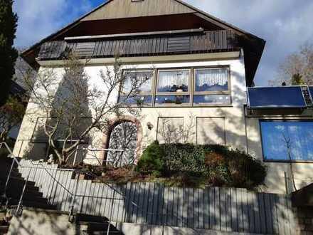 Geräumiges Lichtdurchflutetes Haus mit Einliegerwohnung