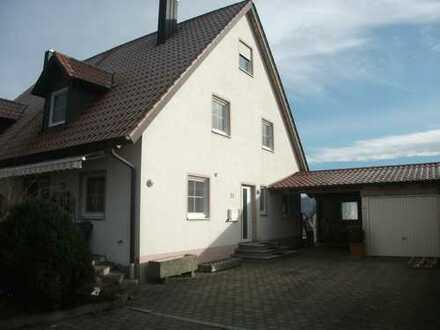 Charmante DHH in Wollbach mit Blick ins Zusamtal