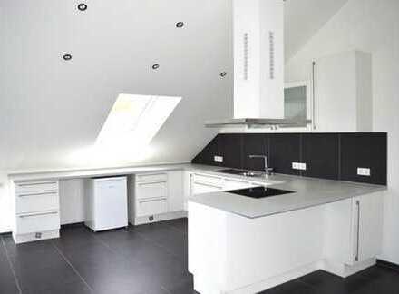Exklusive Dachgeschoswohnung mit Rheinblick und Dachloggia