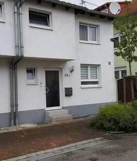 Schönes Haus mit sechs Zimmern in Karlsruhe (Kreis), Graben-Neudorf