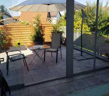 Wunderschöne 4 ZKB Maisonette- Wohnung mit Dachterrasse und Wintergarten