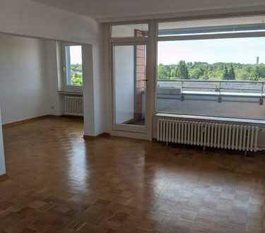 Großzügige 4-Zimmer-Wohnung mit Balkon. Frei ab 01.08.2020