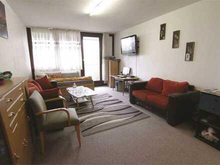 Mayence-Immobilien: Schöne 1 Zimmerwohnung mit Loggia und 1 PKW-Tiefgaragenstellplatz!!