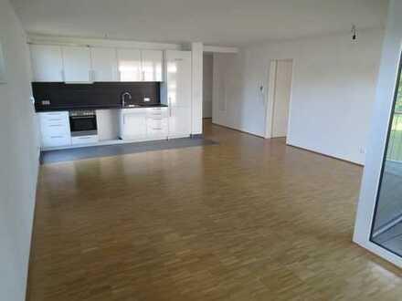 ***Großzügige 3-Zimmer-Wohnung mit moderner Einbauküche und Loggia***