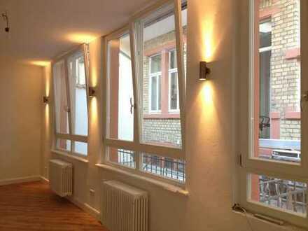 ++ Heidelberg Neuenheim ++ Separates Hinterhaus ++ 2ZKB Terrasse