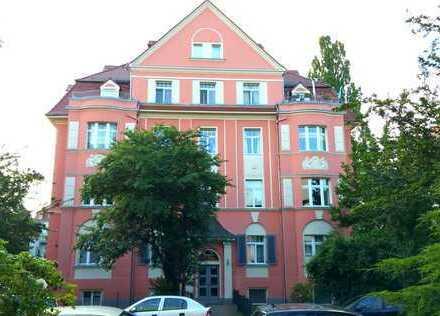 Schöne 3-R-Altbauwohnung mit Balkon in der Dresdener Südvorstadt