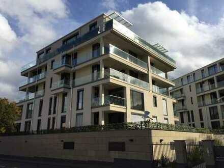 Luxus- Mietwohnung an der Rheinpromenade mit ca. 200qm Terrasse