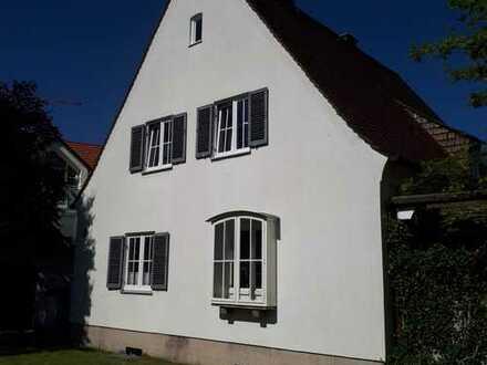 Freistehendes Einfamilienhaus mit Altbauflair nahe Schloss Blutenburg