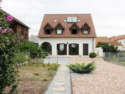 Jockgrim: 2 Einfamilienhäuser mit Garten, Doppelgarage, über 300m² Wohnfläche