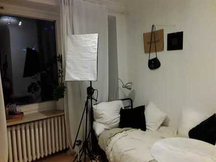 1-Zimmer + Badezimmer/ Für Studenten, Azubis, ggf. Berufstätige