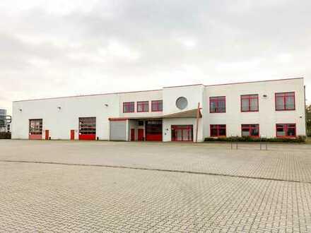 Provisionsfreies Solitärobjekt mit ebenerdiger Hallenfläche, Nebenräumen, Büro und Freifläche
