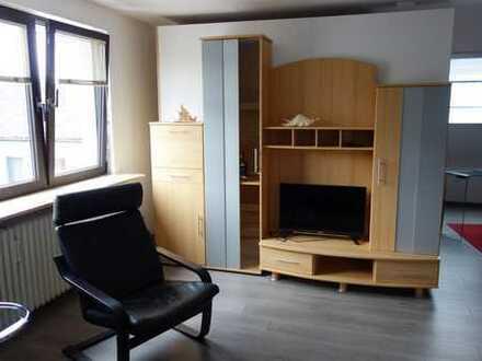 Attraktive, gut möbilierte 1,5-Zimmer-Dachgeschosswohnung in Offenbach-Bieber, Waldrandlage
