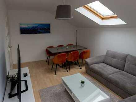 Luxuriöse vollmöblierte Wohnung mit EBK in Bestlage; Erstbezug nach Sanierung