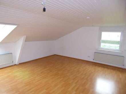 Geräumige und WG-taugliche 3-Zimmer-Wohnung im Gewerbegebiet von Ulm/Söflingen.