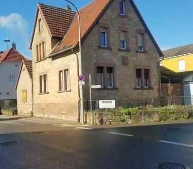 Sandsteinhaus in Edesheim