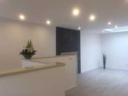 Wohnen u.Arbeiten auf 216 m² in Merings exkl Bungalow-Lage nähe Zentrum